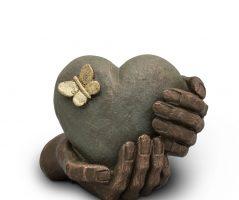 UGK 065 Ceramic Heart Urn